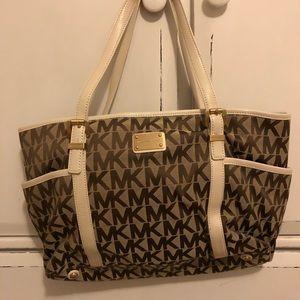 Michael Kors logo print purse!